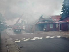 Den Gl. Smedie på Stadionvej nedbrænder onsdag formiddag den 15. august. 2018 (2)