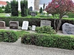 2-Kirkegårdsvandring-2019.-Maren-og-Hans-Thomsen-Hansens-Familiegravsted.-FM.-SV