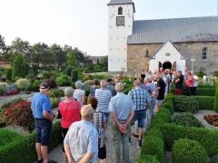Kirkegårdsvandring-2019-10